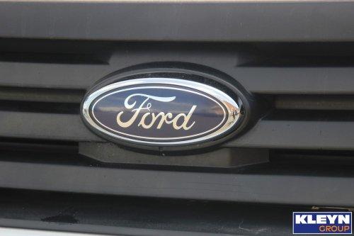 Foto van een Ford logo.. Geplaatst door Katy Kleyn op 16-08-2016 om 15:05:40, op TractorFan.nl - de nummer 1 tractor foto website.
