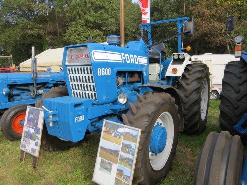 Foto van een Ford 8600   , Meddo 2018. Geplaatst door oldtimergek op 12-01-2019 om 11:40:53, op TractorFan.nl - de nummer 1 tractor foto website.