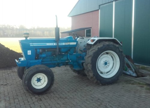 Ford 5600 van new holland koen