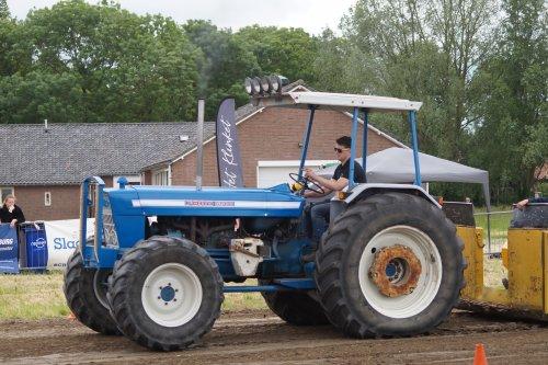 Foto van een Ford 6500 tijdens trekkertrek schoondijke 2019.. Geplaatst door joey-bertram op 07-06-2019 om 10:43:38, op TractorFan.nl - de nummer 1 tractor foto website.