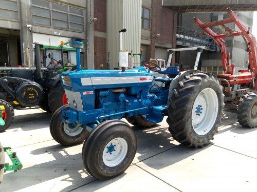 Foto van een Ford 5000 tijdens toertocht Well 2019.. Geplaatst door MF 2725 op 27-06-2019 om 10:16:09, op TractorFan.nl - de nummer 1 tractor foto website.