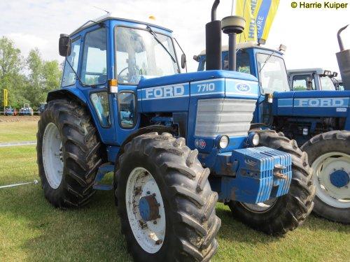 Foto van een Ford 7710   , 05-07-2019 New-Holland Legendary days , Biddinghuizen.. Geplaatst door oldtimergek op 06-07-2019 om 10:01:24, op TractorFan.nl - de nummer 1 tractor foto website.