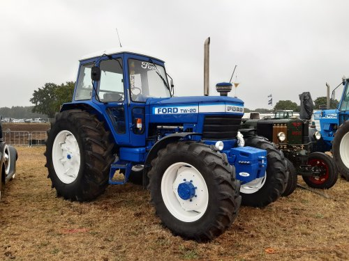 Ford TW 20 van new holland koen