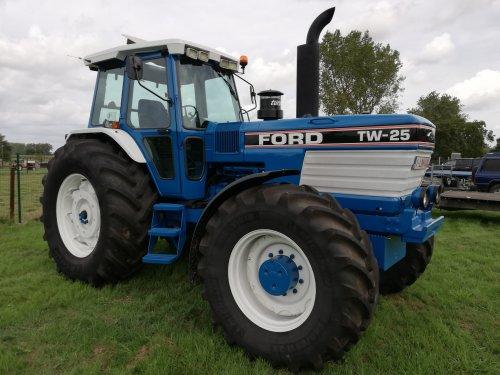 Ford TW 25 van erik9831