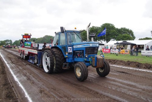 Ford 8700 van RobinFord