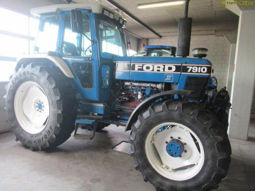 Ford 7910 van oldtimergek