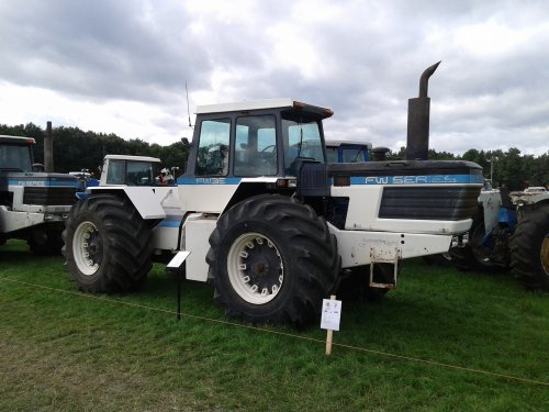 Foto van een Ford FW35 op de HMT Panningen. Geplaatst door john deere 8360r op 06-12-2019 om 16:06:46, op TractorFan.nl - de nummer 1 tractor foto website.