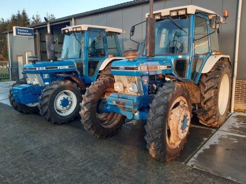 Foto van een Ford 6410. Laatste kans samen. Want de linkse is verkocht nu.. Geplaatst door RPCounty op 12-01-2020 om 18:56:09, op TractorFan.nl - de nummer 1 tractor foto website.