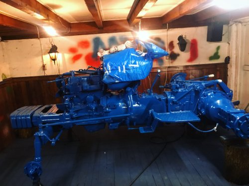 Foto van een Ford 4000. Geplaatst door agripower38 op 13-01-2020 om 19:18:51, met 3 reacties.