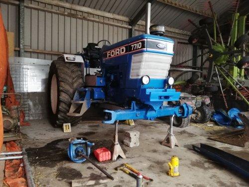 Foto van een Ford 7710. Geplaatst door boer_bert0 op 22-01-2020 om 18:28:15, op TractorFan.nl - de nummer 1 tractor foto website.
