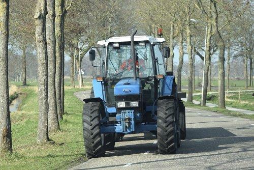 Foto van een Ford 40 Serie ergens in Overijssel. Geplaatst door warmerbros op 22-03-2020 om 21:40:27, op TractorFan.nl - de nummer 1 tractor foto website.