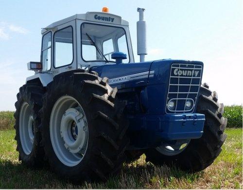 Foto van een County 1164. Geplaatst door patfordson op 29-03-2020 om 09:39:37, op TractorFan.nl - de nummer 1 tractor foto website.