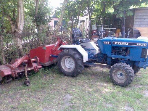 Ford 1220 van Hoekstraj