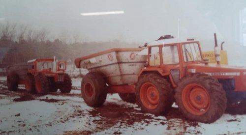 Foto van een County Meerdere toch nog een winters plaatje van loonbedrijf de klerk aan het dumperen in 1979.