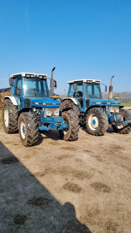 Foto van 2x Ford 7810 Zie je niet vaak 2 7810's naast elkaar!. Geplaatst door new holland koen op 24-03-2021 om 12:42:49, met 12 reacties.