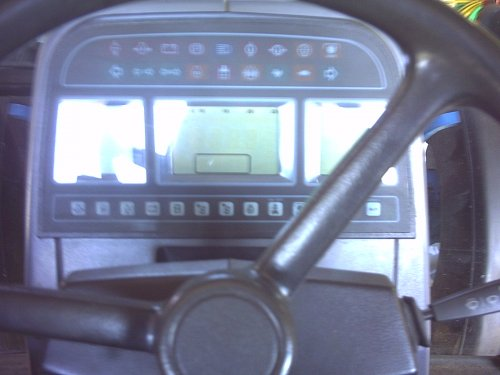 Foto van een Ford 7840. dashboard. Geplaatst door gudo op 04-08-2008 om 11:50:46, met 3 reacties.