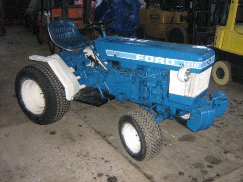 Ford 1210 van Valtrafan