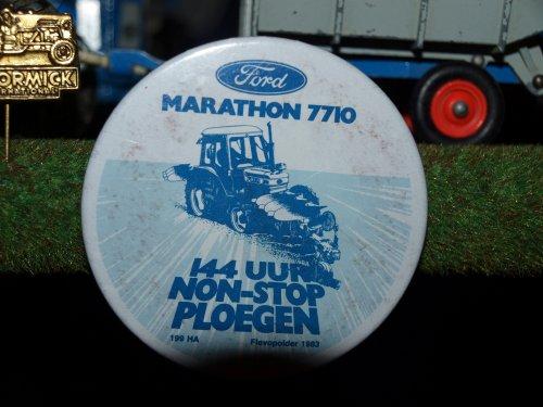 Foto van een Ford Samenraapsel, bezig met poseren.. Geplaatst door manus op 30-01-2012 om 17:00:06, op TractorFan.nl - de nummer 1 tractor foto website.