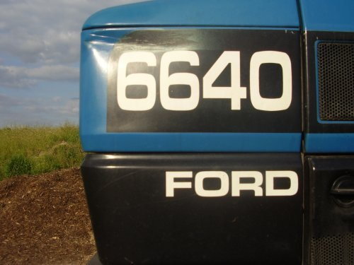 Ford Logo van newholland6640