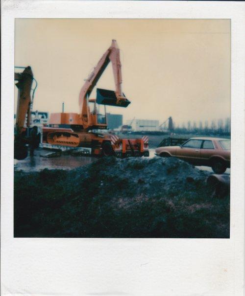 Foto van een Ford Kraan, nieuw, vanaf de dieplader.. Geplaatst door bob de bouwer op 19-11-2012 om 19:45:59, met 5 reacties.