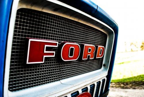 Ford Logo van Gas Der Bi-j