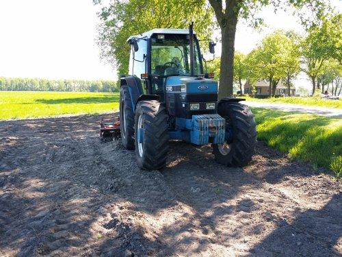 Foto van een Ford 6640. Geplaatst door valmet 8500 op 30-05-2016 om 23:04:32, op TractorFan.nl - de nummer 1 tractor foto website.