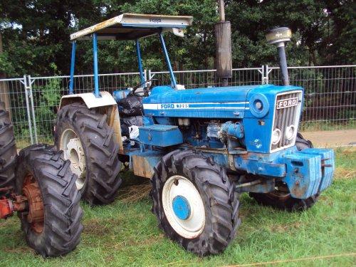 Foto van een Ford 7095  panningen 2015. Geplaatst door fomoco60 fomoco60 op 13-11-2016 om 20:55:35, op TractorFan.nl - de nummer 1 tractor foto website.