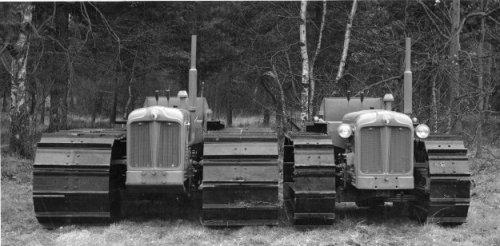 Foto van een Fordson crawler  http://www.forestry-memories.org.uk. Geplaatst door fomoco60 fomoco60 op 25-12-2016 om 12:22:52, op TractorFan.nl - de nummer 1 tractor foto website.