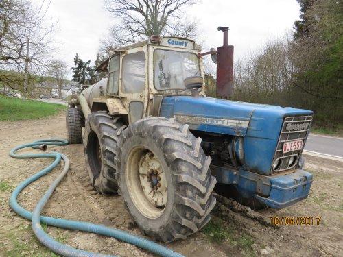 Foto van een Fordson county. Geplaatst door argenterio op 21-04-2017 om 12:54:27, op TractorFan.nl - de nummer 1 tractor foto website.