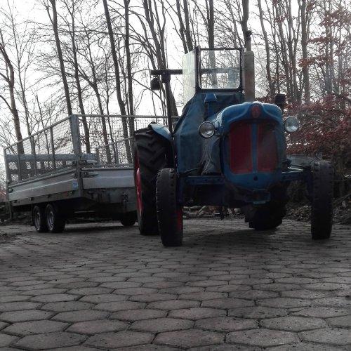 Foto van een Fordson Dexta. Geplaatst door Hielko1 op 19-02-2018 om 09:04:14, op TractorFan.nl - de nummer 1 tractor foto website.