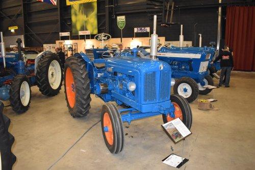 Foto van een Fordson Major. Geplaatst door jordi 1455 op 15-05-2019 om 18:45:19, op TractorFan.nl - de nummer 1 tractor foto website.