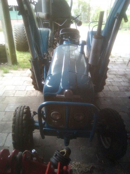 Foto van een Fordson Super Major. Geplaatst door Ebroman op 29-02-2020 om 15:26:20, op TractorFan.nl - de nummer 1 tractor foto website.