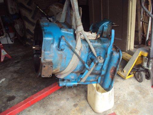 Foto van een Fordson Super Major  versnellingbak  (voor topic ). Geplaatst door fomoco60 fomoco60 op 22-10-2016 om 17:00:01, op TractorFan.nl - de nummer 1 tractor foto website.