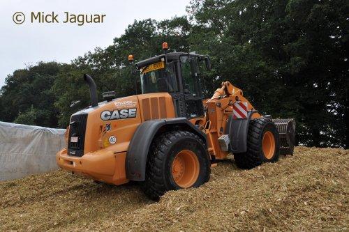 Case 821F, Loonwerken Willemse uit Weelde (B)  Filmpje? -> https://www.tractorfan.nl/movie/46912/. Geplaatst door Mick Jaguar op 19-01-2017 om 12:29:51, op TractorFan.nl - de nummer 1 tractor foto website.