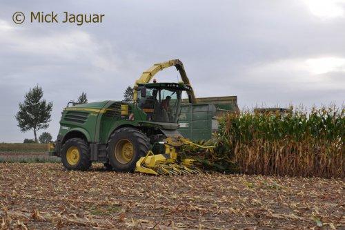 Foto van een John Deere 8400i (hakselaar). Geplaatst door Mick Jaguar op 25-02-2017 om 13:04:15, op TractorFan.nl - de nummer 1 tractor foto website.