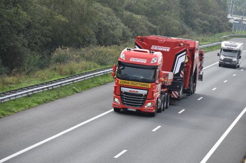 Foto van een daf 106, opgebouwd voor speciaal transport.. Geplaatst door truckspotterhgk op 05-09-2018 om 18:23:15, op TractorFan.nl - de nummer 1 tractor foto website.