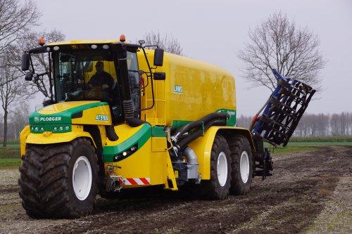 Foto van een Ploeger AT5105 (overige zelfrijders). Geplaatst door jans-eising op 12-05-2019 om 19:54:55, op TractorFan.nl - de nummer 1 tractor foto website.