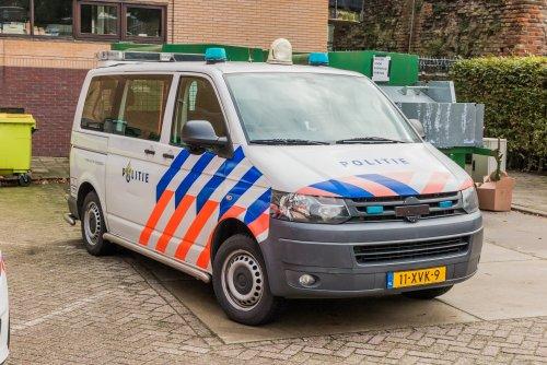 Foto van een transporter t5, opgebouwd voor personenvervoer.. Geplaatst door xrayjaco op 29-09-2019 om 21:13:30, op TractorFan.nl - de nummer 1 tractor foto website.
