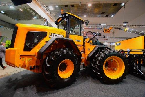 Foto van een JCB 435 (shovel). Geplaatst door jd7920 op 10-12-2019 om 13:45:20, op TractorFan.nl - de nummer 1 tractor foto website.