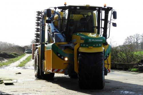 Loonbedrijf Bos uit Bathmen heeft net weer een tankje mest gehaald  https://youtu.be/Vr2iLJ8SnYA. Geplaatst door pekkerietfan op 03-03-2020 om 18:07:01, op TractorFan.nl - de nummer 1 tractor foto website.