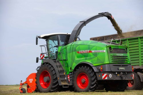 Fendt Katana 650 (2021). Geplaatst door FerreV op 22-07-2021 om 22:01:05, op TractorFan.nl - de nummer 1 tractor foto website.
