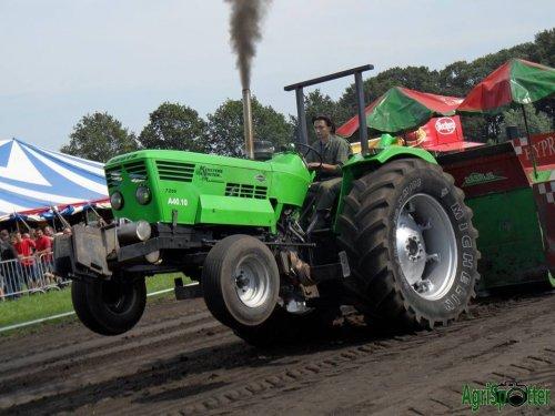 een Deutz-Fahr 7206 tijdens Trekkertrek Essen ! meer info: www.agrispotter.be. Geplaatst door ibe_sanders op 25-01-2016 om 19:03:52, op TractorFan.nl - de nummer 1 tractor foto website.