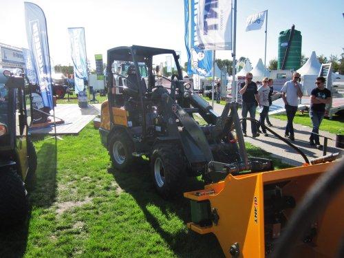 Foto van een Giant V452T. Geplaatst door jordi 1455 op 28-09-2018 om 23:45:31, op TractorFan.nl - de nummer 1 tractor foto website.
