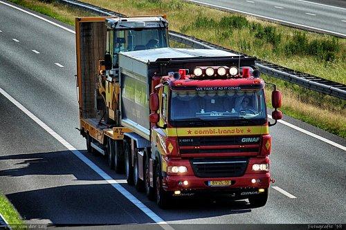 Combi-Trans (Boornbergum) × op de foto met een GINAF X4241-S, opgebouwd als dumper / kipper.. Geplaatst door Bram van der Leij op 16-06-2019 om 21:42:32, op TractorFan.nl - de nummer 1 tractor foto website.
