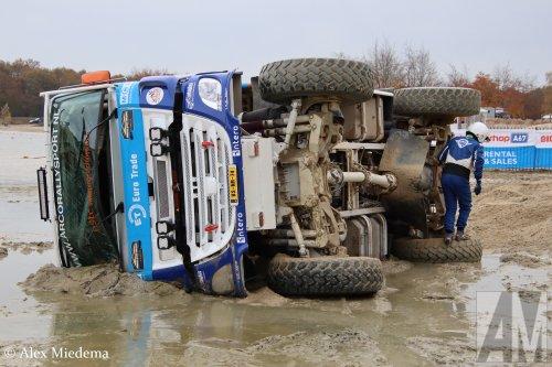 Stichting Arco Rallysport (Poortugaal) × op de foto met een GINAF X2222, opgebouwd als rallytruck.  https://www.youtube.com/watch?v=Edj7ys9xdgU