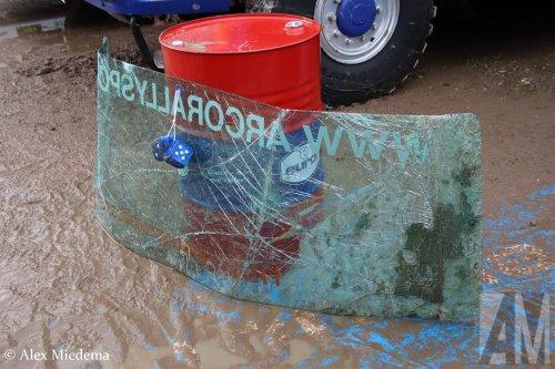 Op deze foto staat Stichting Arco Rallysport (Poortugaal) × met een GINAF X2222, opgebouwd als rallytruck.  https://www.youtube.com/watch?v=Edj7ys9xdgU