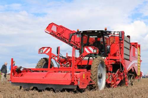 Grimme Varitron 470 van -NEW-HOLLAND-