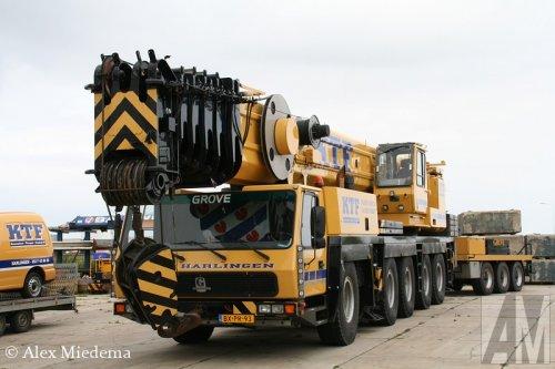 Foto van een Grove GMK5180, opgebouwd als hijskraan. Harlingen, 16 september 2012.. Geplaatst door Alex Miedema op 31-01-2015 om 17:18:57, op TractorFan.nl - de nummer 1 tractor foto website.