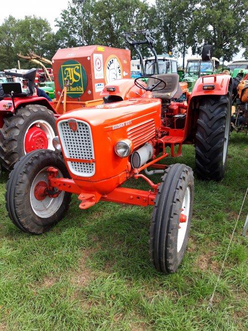 Foto van een Guldner G50 S. Geplaatst door holderb51 op 06-11-2019 om 18:18:10, op TractorFan.nl - de nummer 1 tractor foto website.