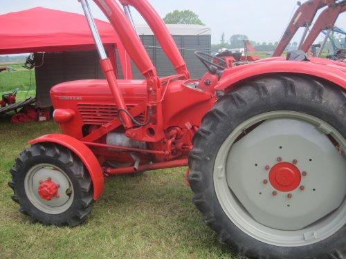 Foto van een Guldner G45S, bezig met poseren.. Geplaatst door jordi 1455 op 28-05-2014 om 17:51:12, op TractorFan.nl - de nummer 1 tractor foto website.